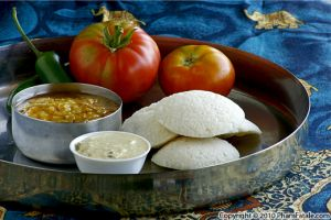 Idli Recipe with Coconut Chutney