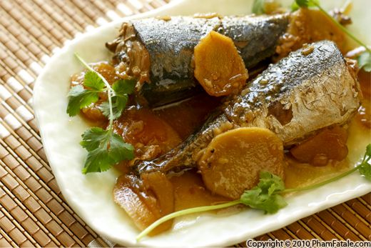Ca Nuc Kho (Traditional Vietnamese Whole Mackerel in Sugarcane Sauce) Recipe