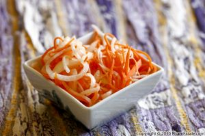Vietnamese Pickled Carrot and Daikon Recipe (Do Chua)