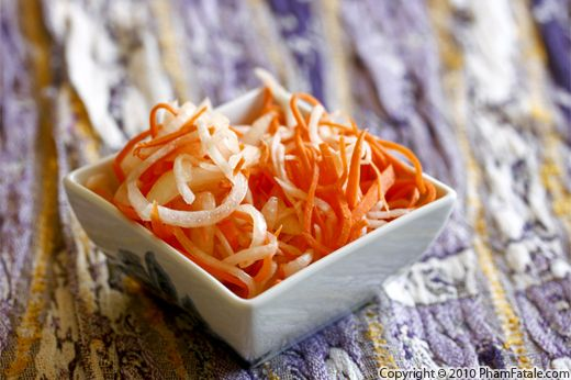 Vietnamese Pickled Carrot and Daikon Recipe (Do Chua) Recipe