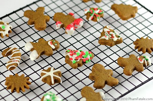 Gingerbread Cookie Recipe with Picture