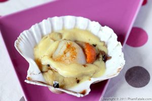 Seared Scallops with Hollandaise Sauce