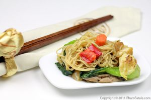 Mi Xao Mem Recipe (Vietnamese Egg Noodles)