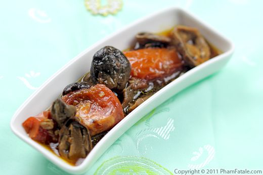 Braised Straw Mushrooms (Nam Kho Ca Recipe) Recipe