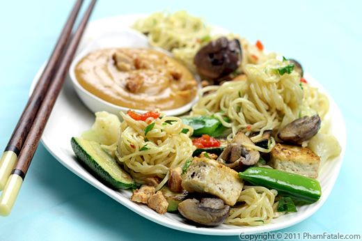 Asian Noodle Salad with Peanut Salad Dressing Recipe