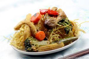 Mi Xao Don Recipe (Vietnamese Crispy Noodles)