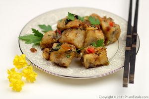 Banh Khoai Mon: Fried Taro Cake Recipe