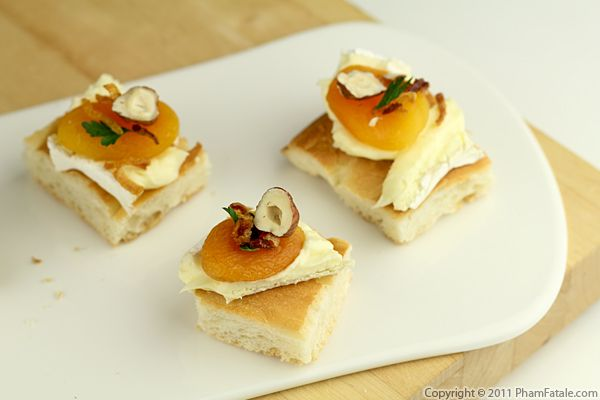 Apricot Brie Appetizer Recipe