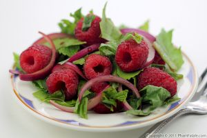 Healthy School Lunch: Raspberry Spinach Salad Recipe