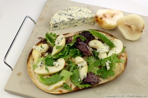 Gorgonzola Pear Pizza Recipe