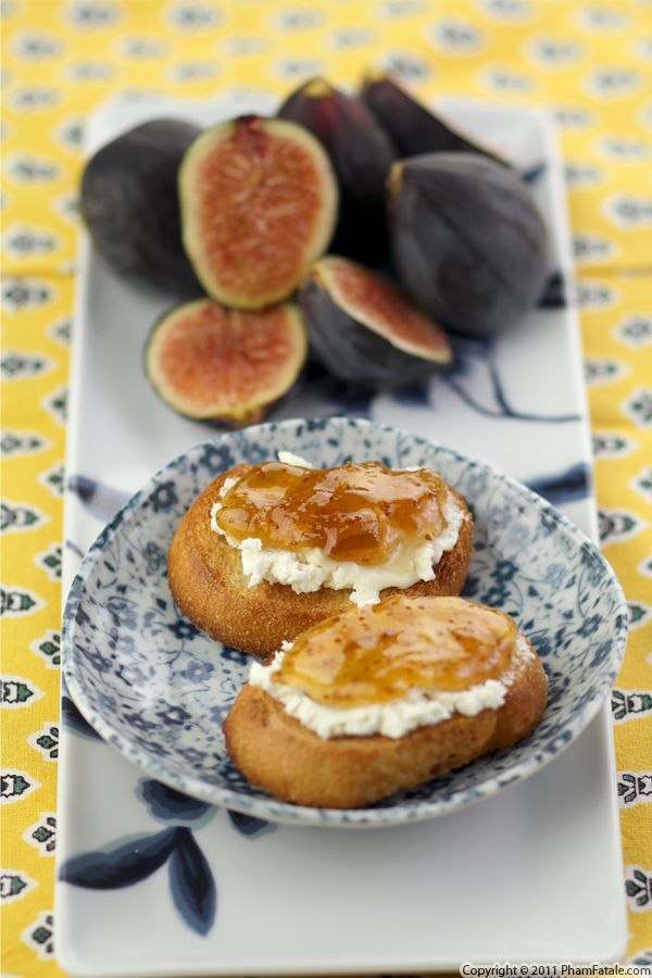 Goat Cheese and Fig Crostini Recipe Recipe