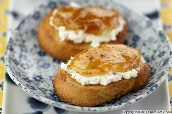 Fig Crostini Recipe with Picture