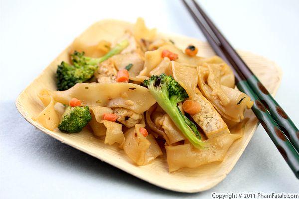 Vegetarian Chow Fun Noodles (Hu Tieu Recipe) Recipe