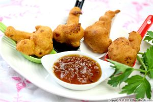 Cauliflower Fritters (Gobi Pakora)