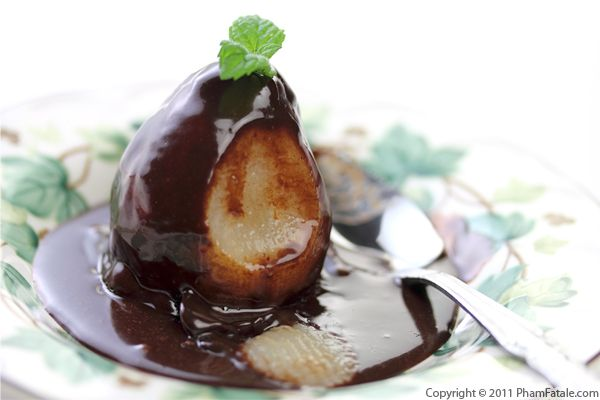 Poached Pears in Chocolate Sauce Recipe