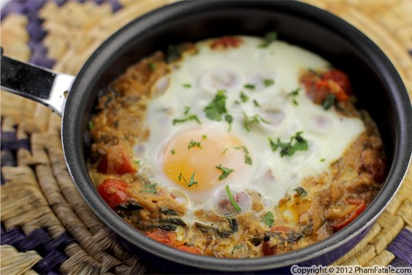 Shakshuka Recipe (Poached Eggs in Spicy Tomato Sauce) Recipe