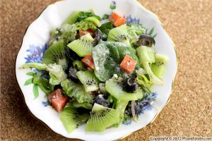 Kiwi Spinach Salad Recipe
