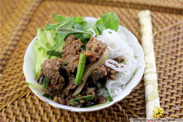 Bo Bun Recipe (Vietnamese Beef Noodle Bowl) Recipe