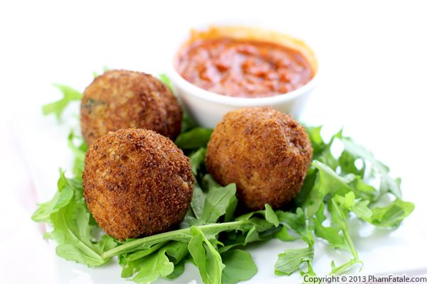 Stuffed Arancini Recipe (Stuffed and Fried Risotto Balls) Recipe