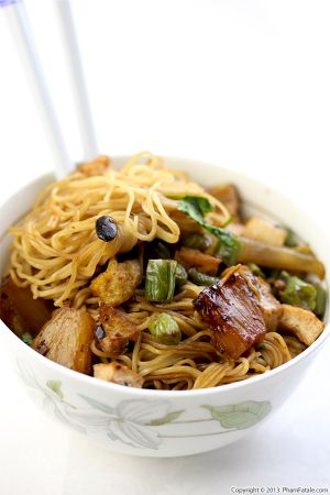 Mi Xao Chay Recipe (Vegetarian Soft Egg Noodle Stir Fry)