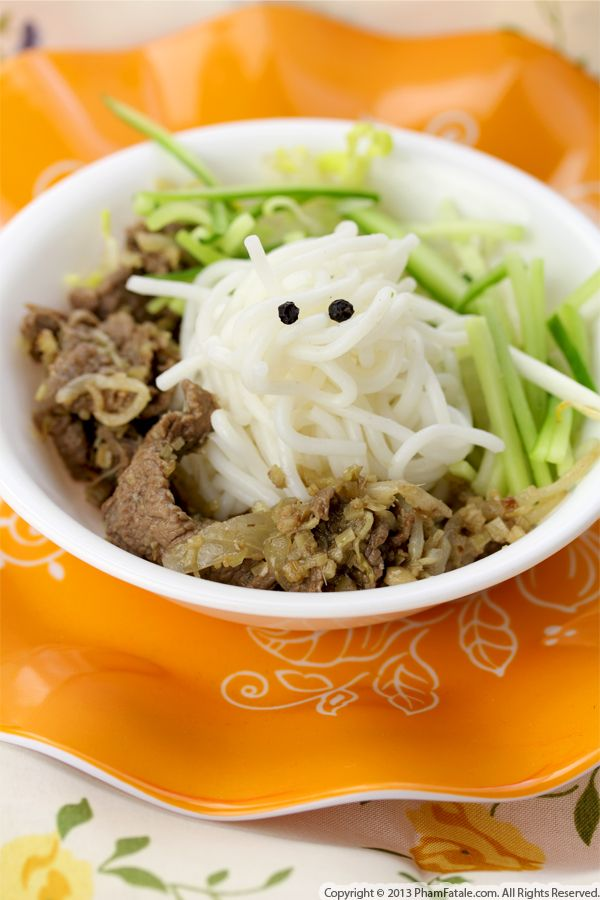 Ghost Halloween Lemongrass and Ginger Beef Noodles Recipe