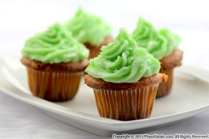 Green Shortcakes with Cream Cheese Frosting