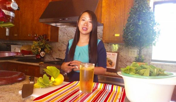 Moroccan Mint Iced Tea Recipe (Video)