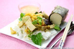 Banh Uot Cha Lua Chay (Vegetarian Vietnamese Rice Noodles)